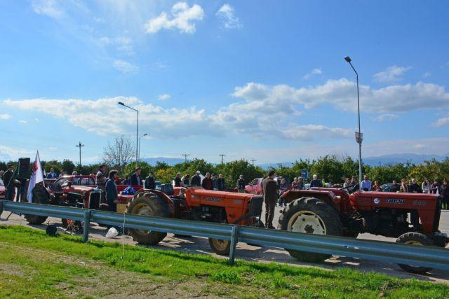 Συνεχίζονται οι κινητοποιήσεις των αγροτών σε όλη τη χώρα | tanea.gr
