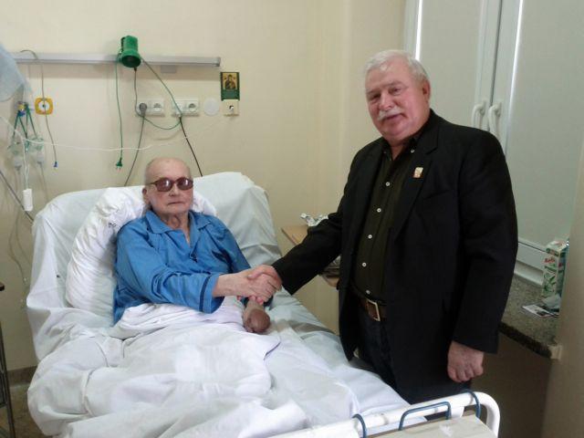 Ο 90χρονος Γιαρουζέλσκι πιάστηκε επ' αυτοφώρω με τη νοσοκόμα! | tanea.gr