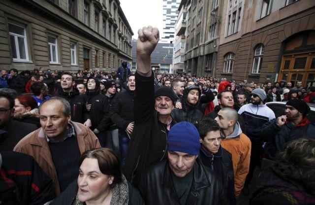 Παραιτήθηκαν οι επικεφαλής τεσσάρων καντονιών στη Βοσνία   tanea.gr