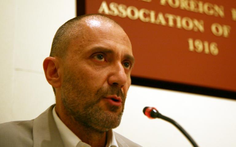 Βαλλιανάτος: «Ο Κασιδιάρης θα βγει πρώτος - θα στηρίξω όποιον είναι απέναντί του τη β' Κυριακή» | tanea.gr