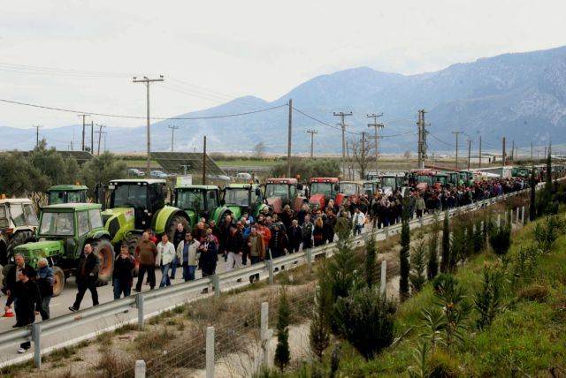 Αγρότες απέκλεισαν την ΕΟ Αθηνών-Θεσσαλονίκης στον κόμβο της Νίκαιας | tanea.gr