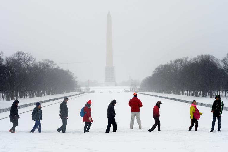 Στο έλεος του χιονιά και πάλι οι ΗΠΑ: Τουλάχιστον 12 νεκροί εξαιτίας της κακοκαιρίας   tanea.gr