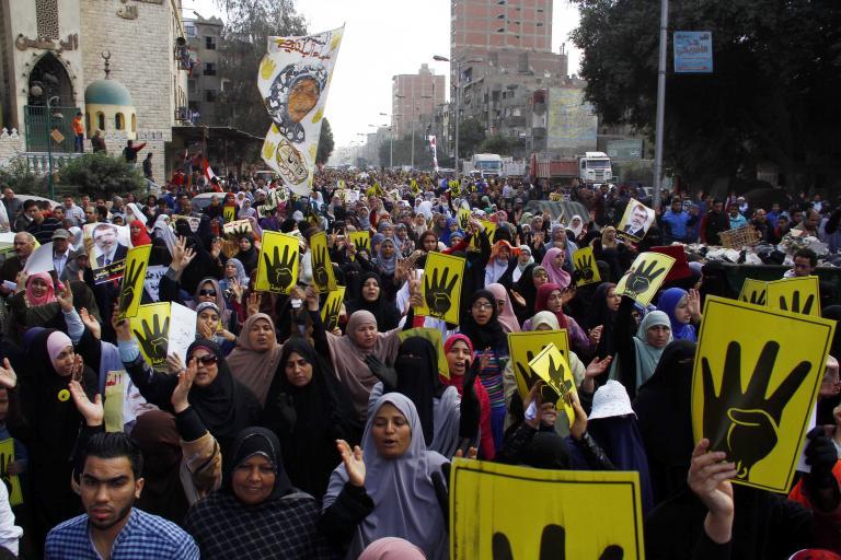 Δύο νεκροί σε συγκρούσεις μεταξύ αστυνομικών και υποστηρικτών του Μόρσι στην Αίγυπτο   tanea.gr
