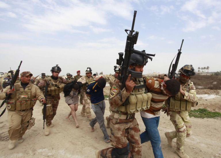 Ιράκ: Τουλάχιστον 17 άνθρωποι σκοτώθηκαν την Κυριακή | tanea.gr