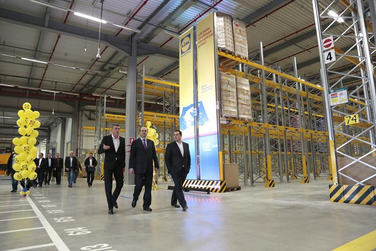 Εναρξη λειτουργίας για το νέο κέντρο logistics της Lidl Hellas στα Καλύβια | tanea.gr