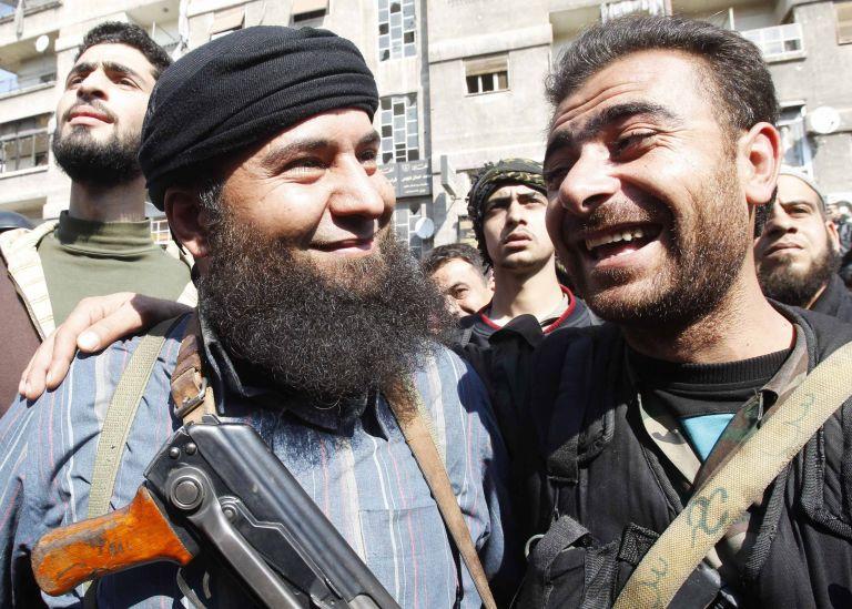 Συρία: Στρατός και αντάρτες κατέληξαν σε «συμφωνίες κατάπαυσης του πυρός» στη Δαμασκό   tanea.gr