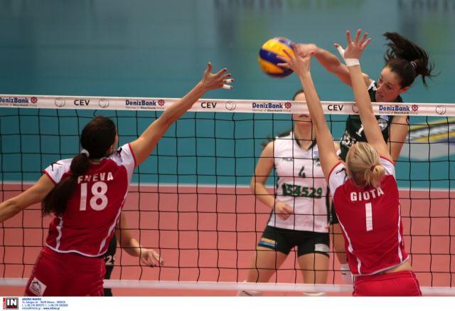 Νίκη του Ολυμπιακού επί του Παναθηναϊκού στο ντέρμπι του βόλεϊ στις γυναίκες | tanea.gr