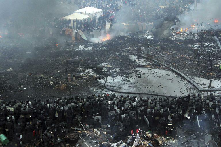 Εφιάλτης στο Κίεβο: 26 νεκροί, εκατοντάδες τραυματίες στις βίαιες συγκρούσεις | tanea.gr