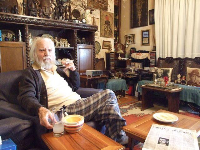 Βαγγέλης Γκούφας: Ζωή σαν σενάριο, σαν θεατρικό, σαν ποίημα, σαν τραγούδι...   tanea.gr