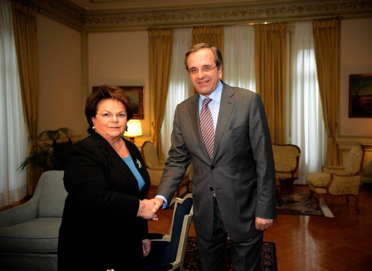 Την προσχώρησή της στη ΝΔ από τον ΛΑΟΣ ανακοίνωσε η Νίκη Τζαβέλλα   tanea.gr