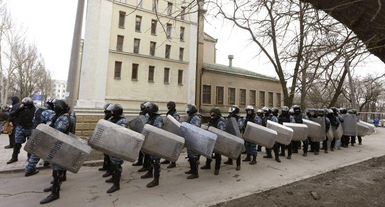 Ουκρανία: Τη διάλυση των Μπερκούτ, των δυνάμεων καταστολής, ανακοίνωσε ο υπ. Εσωτερικών | tanea.gr