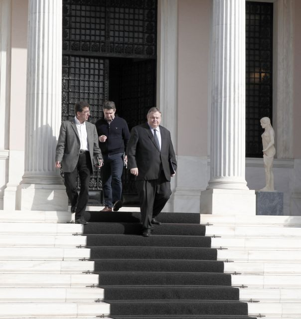Συμφωνία Σαμαρά - Βενιζέλου: Ολη η χώρα μία περιφέρεια  στις ευρωεκλογές | tanea.gr