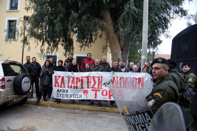 Αθωώθηκαν από το Αυτόφωρο οι συλληφθέντες στα διόδια της Πάχης Μεγάρων | tanea.gr
