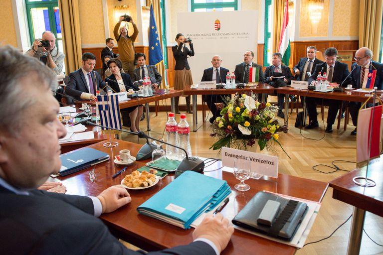Διεθνή διάσκεψη για να αποφευχθεί η χρεοκοπία της Ουκρανίας πρότεινε ο Βενιζέλος | tanea.gr