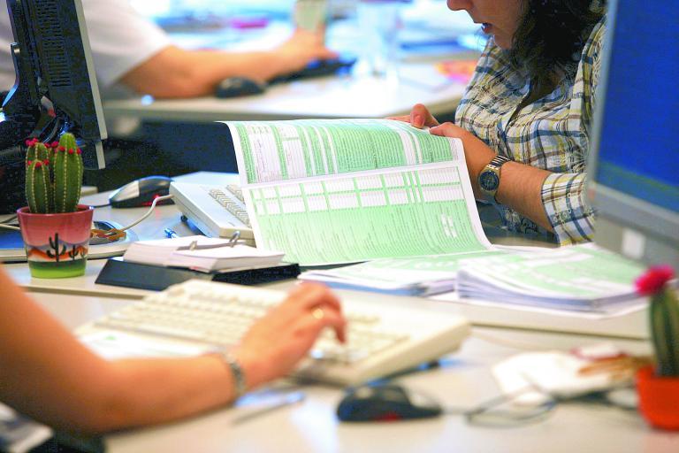 Παράταση μέχρι τα μέσα Ιουνίου για την υποβολή του Ε9 έδωσε το υπουργείο Οικονομικών   tanea.gr