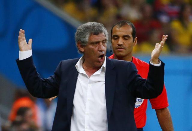 Σάντος: «Κάποιοι παίκτες ήθελαν να πετύχουν γκολ και όχι να βοηθήσουν την ομάδα» | tanea.gr