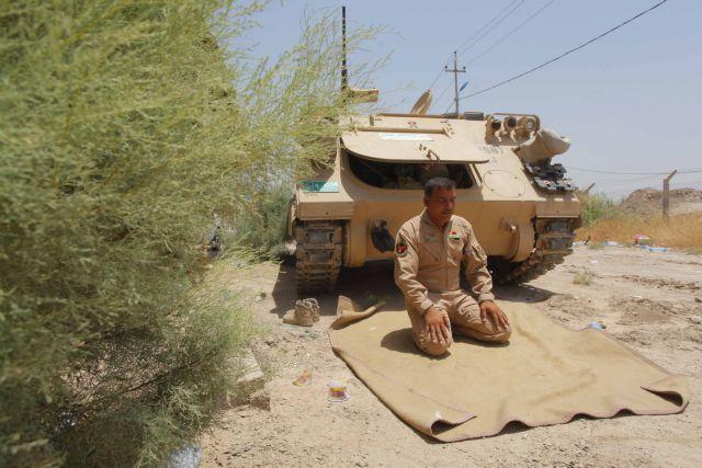 Οι ΗΠΑ στέλνουν άλλους 300 στρατιώτες στο Ιράκ   tanea.gr