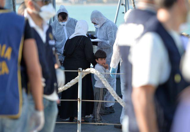 Επίτροπο για τους μετανάστες σχεδιάζει ο Γιούνκερ | tanea.gr