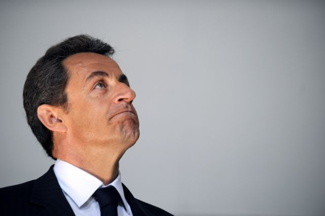 Δύο στους τρεις Γάλλους δηλώνουν αντίθετοι με την επιστροφή του Σαρκοζί στην πολιτική | tanea.gr