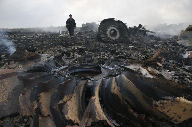 Αμερικανικές υπηρεσίες πληροφοριών: Εχουμε στοιχεία ότι το μαλαισιανό αεροπλάνο καταρρίφθηκε από πύραυλο εδάφους-αέρος | tanea.gr