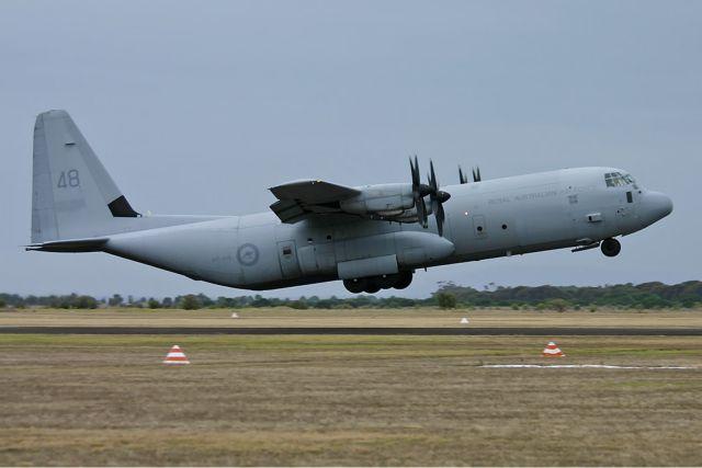Ανήλικος Αφρικανός βρέθηκε νεκρός στο σύστημα προσγείωσης αμερικανικού μεταγωγικού αεροσκάφους   tanea.gr