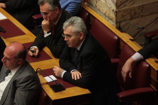Χαρακόπουλος: «Δεν ψηφίζω το αντιρατσιστικό αν δεν εξομοιωθεί το Ολοκαύτωμα με τις γενοκτονίες των Ελλήνων» | tanea.gr