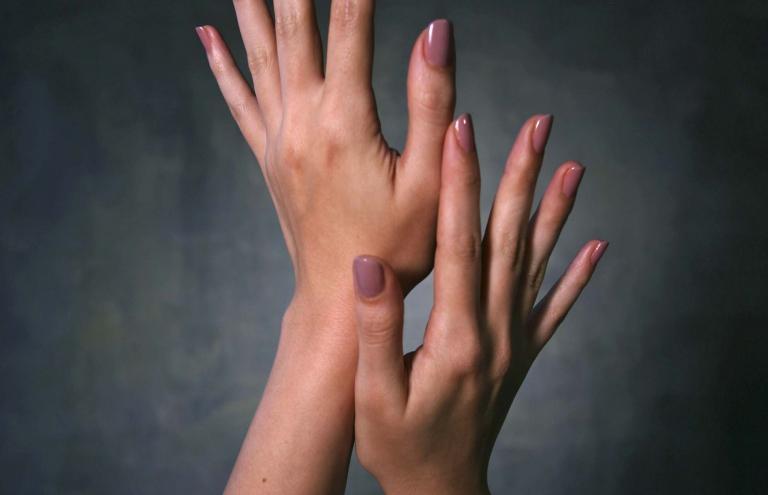 Τα συμπτώματα στα νύχια που δεν πρέπει να αγνοούμε | tanea.gr