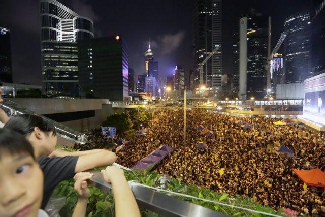 Ο Ομπάμα ζήτησε από τον κινέζο υπουργό Εξωτερικών να βρεθεί ειρηνική λύση στο Χονγκ Κονγκ | tanea.gr