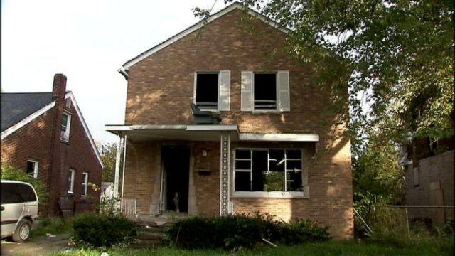 Ντιτρόιτ: Ανταλλάσσει το διώροφο σπίτι του με ένα iPhone 6   tanea.gr