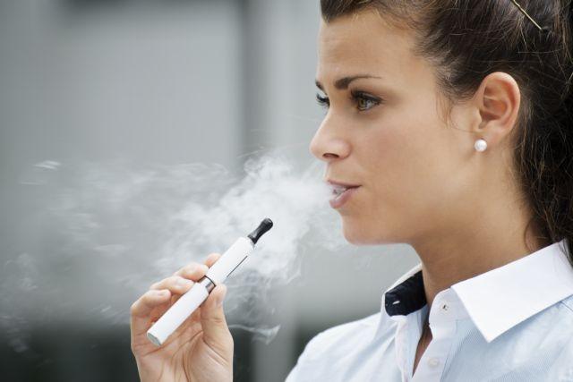 Vape, δηλαδή… «καπνίζω ηλεκτρονικό τσιγάρο»: η λέξη της χρονιάς από το Λεξικό της Οξφόρδης | tanea.gr