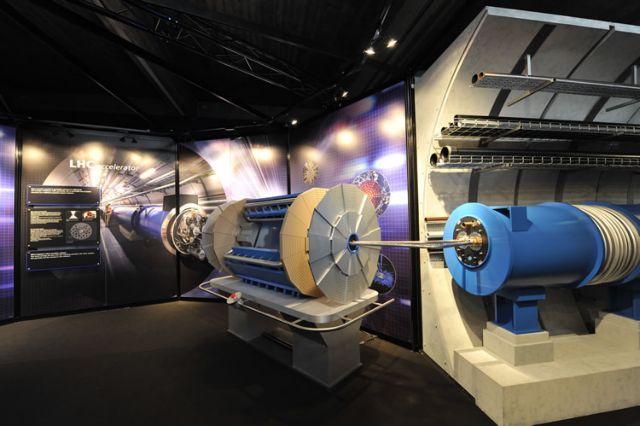 Ανακαλύφθηκαν δύο υποατομικά σωματίδια ανακοίνωσε το CERN   tanea.gr