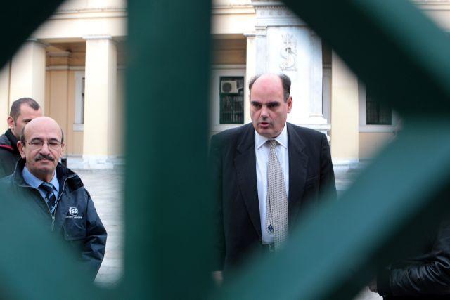 Φορτσάκης: «Να επιστρέψουν οι διοικητικοί υπάλληλοι για να μην κλείσει το ΕΚΠΑ» | tanea.gr