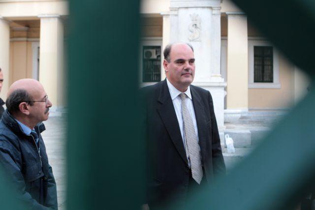 «Βόμβα» οι μετεγγραφές για το ΕΚΠΑ: «Η Ιατρική Σχολή έβαλε 168 φοιτητές και τώρα έχει 421» λέει ο Φορτσάκης | tanea.gr
