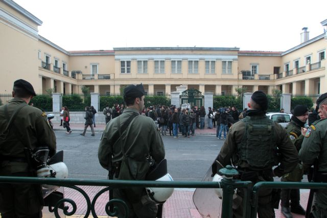 Σαμαράς προς Φορτσάκη: «Συγχαρητήρια για την επαναφορά του Πανεπιστημίου στη νομιμότητα» | tanea.gr