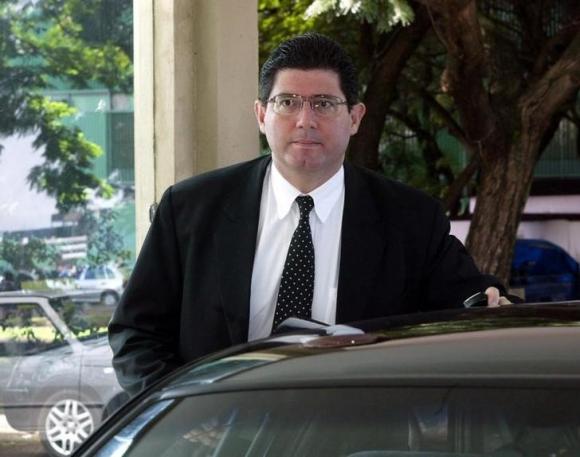 Βραζιλία: Εναν τραπεζίτη προκρίνει για υπουργό Οικονομικών η Ρουσέφ   tanea.gr