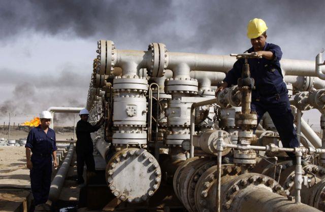 Bloomberg: Πώς η κατάρρευση της τιμής του πετρελαίου βοηθά την Ελλάδα | tanea.gr