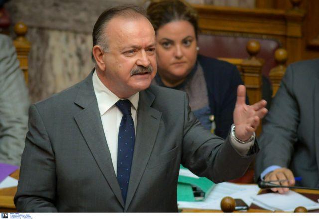 Συνεχίζει την κόντρα με ΣΥΡΙΖΑ ο Σταμάτης: «Θα παίρνει λεφτά από τις καταθέσεις κάθε 15 μέρες» | tanea.gr