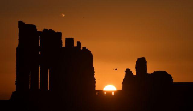 Νορβηγοί επιστήμονες συσχέτισαν τις φάσεις δραστηριότητας του Ηλιου με τη μακροζωία | tanea.gr