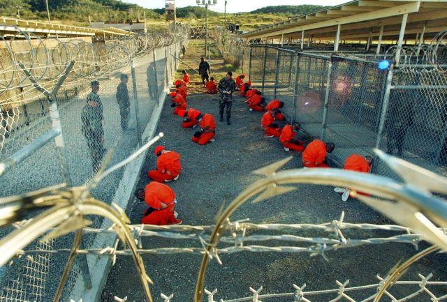 Κυκλοφόρησε σε βιβλίο το ημερολόγιο κρατούμενου στο Γκουαντάναμο   tanea.gr