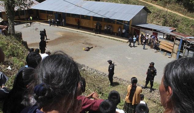 Γουατεμάλα: Λίντσαραν και έκαψαν ζωντανή γυναίκα που κατηγορήθηκε για φόνο κοριτσιού | tanea.gr