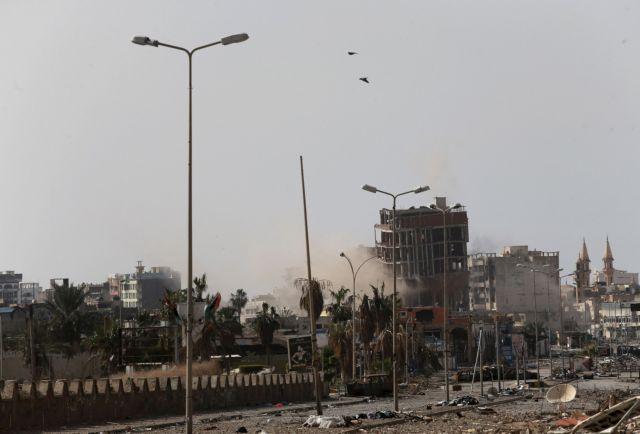 Λιβύη: Το Ισλαμικό Κράτος επιτίθεται σε πετρελαϊκά κοιτάσματα και εδραιώνει τη θέση του | tanea.gr