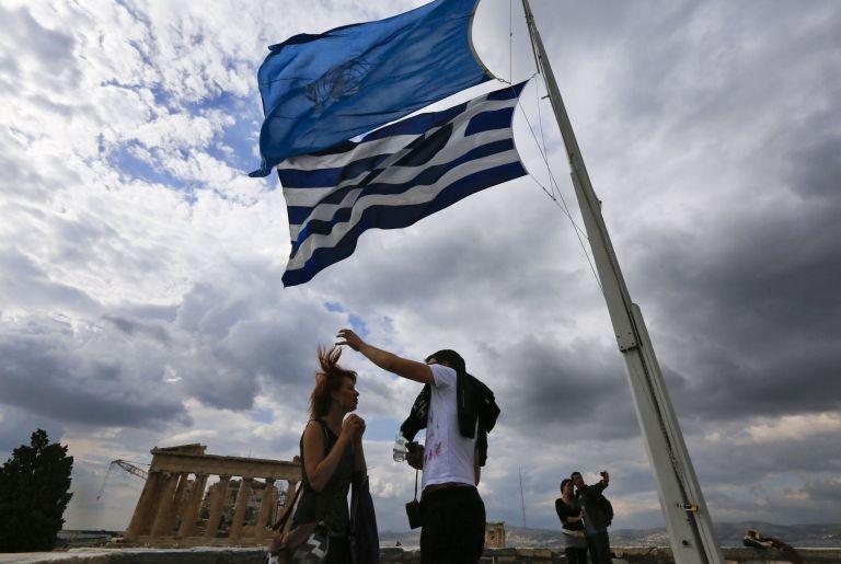 """«Ο έλληνας εκπρόσωπος ζητούσε χρήματα σαν """"ταξιτζής""""» γράφουν οι Γερμανοί - διαψεύδει το υπ. Οικονομικών   tanea.gr"""