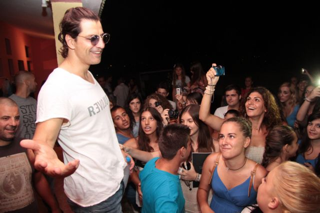 Το «Αξιον Εστί» θα ερμηνεύσει ο Σάκης Ρουβάς το βράδυ του Σαββάτου στη Νέα Σμύρνη | tanea.gr