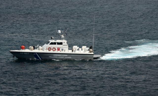 Περισσότεροι από 300 παράνομοι μετανάστες και πρόσφυγες την Τρίτη σε ελληνικά νησιά   tanea.gr