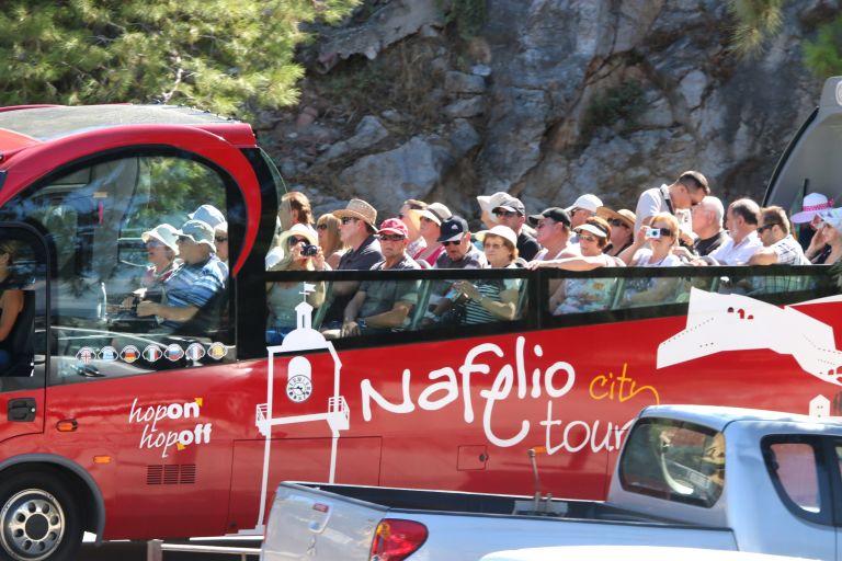 Εκτιμήσεις για 25 εκατομμύρια τουρίστες φέτος, σύμφωνα με το ΣΕΤΕ   tanea.gr