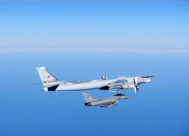 Μαχητικά της RAF αναχαίτισαν ρωσικά βομβαρδιστικά κοντά σε βρετανικό εναέριο χώρο | tanea.gr