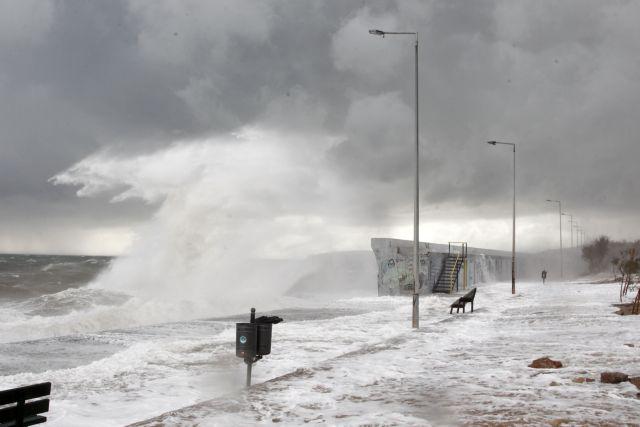 Σημαντικά προβλήματα στη βόρεια Ελλάδα από πλημμύρες και κατολισθήσεις   tanea.gr