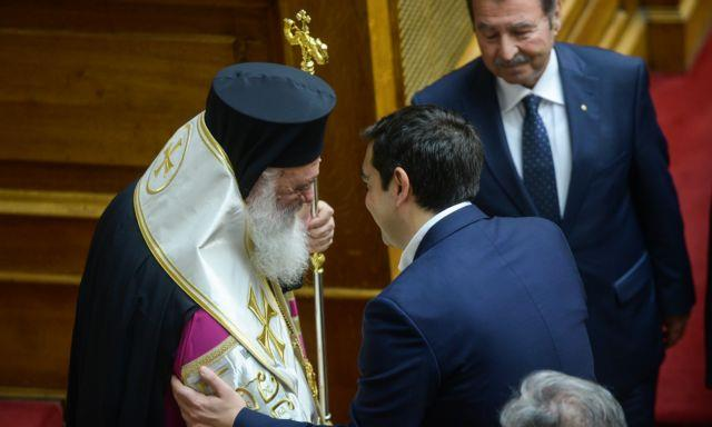 Τρεις στους τέσσερις Ελληνες υπέρ του διαχωρισμού Εκκλησίας - Κράτους   tanea.gr
