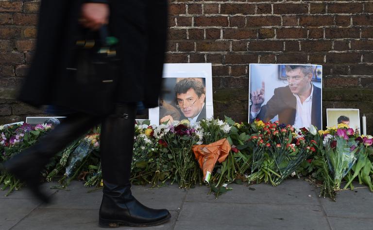 Σαράντα ημέρες μετά τη δολοφονία του Μπόρις Νεμτσόφ, οι Ρώσοι τιμούν τη μνήμη του | tanea.gr