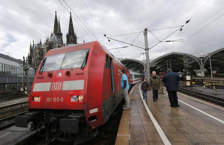 Σε απεργία κατεβαίνουν την Τρίτη μηχανοδηγοί των σιδηροδρόμων της Γερμανίας   tanea.gr